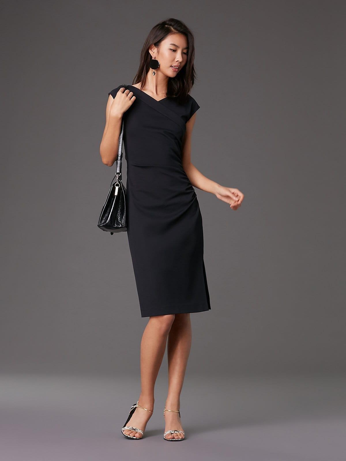 DIANE VON FURSTENBERG Cap Sleeve Ruched Jersey Black Dress