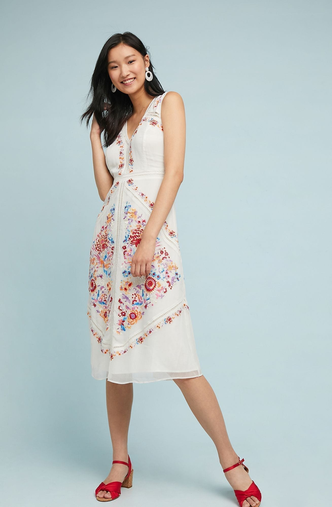b8f96e69e7a2 AKEMI + KIN Billie Embroidered Sleeveless White Floral Midi Dress ...