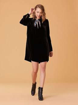 DIANE VON FURSTENBERG Velvet Mini Black Dress