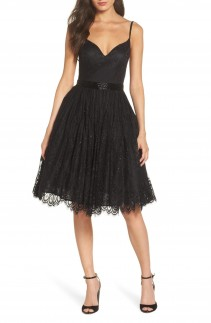 MAC DUGGAL Sweetheart Neck Lace Party Dress