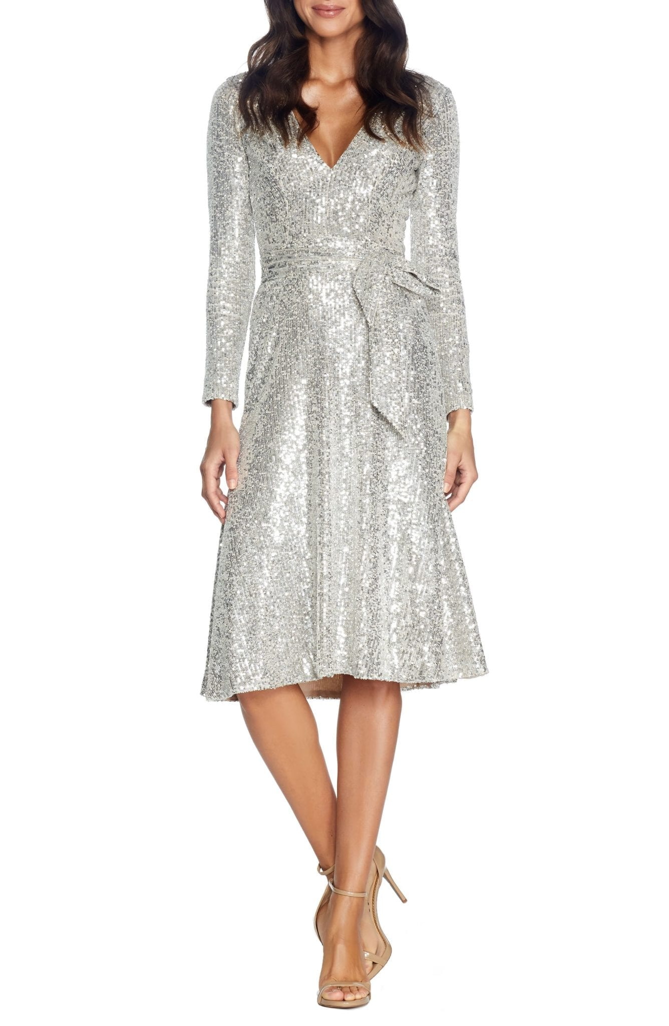DRESS THE POPULATION Daphne Long Sleeve Sequin Cocktail Dress