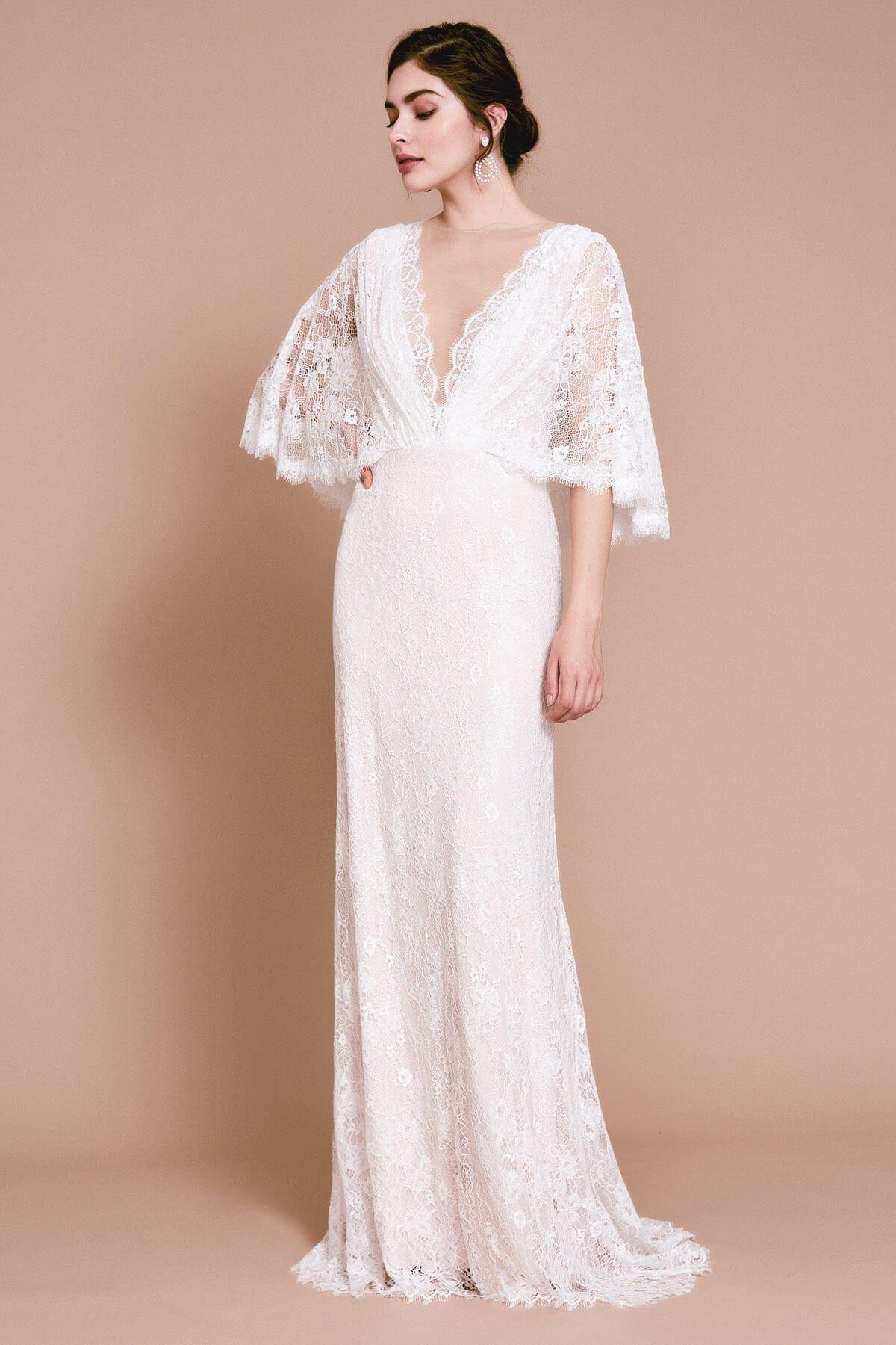TADASHI SHOJI Mina Lace Scallop Gown