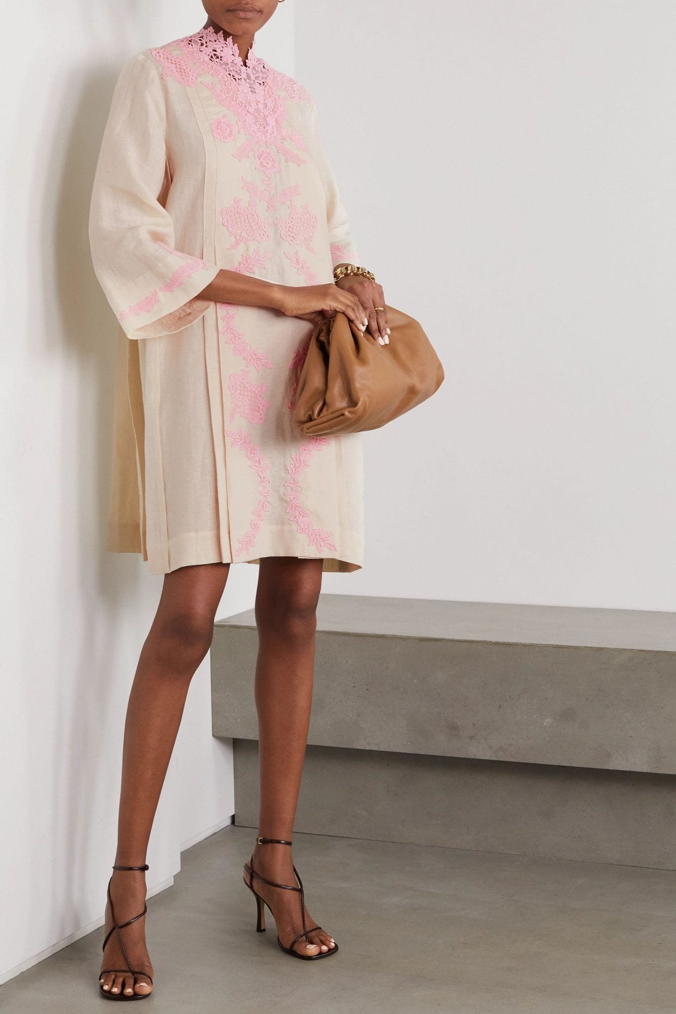 GUCCI Crocheted Lace-trimmed Linen Kaftan Dress