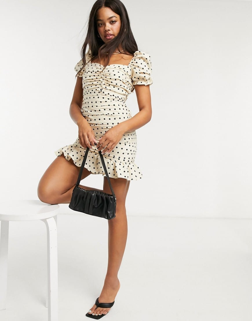 IN THE STYLE X Shaughna Sweetheart Puff Sleeve Tiered Mini Dress