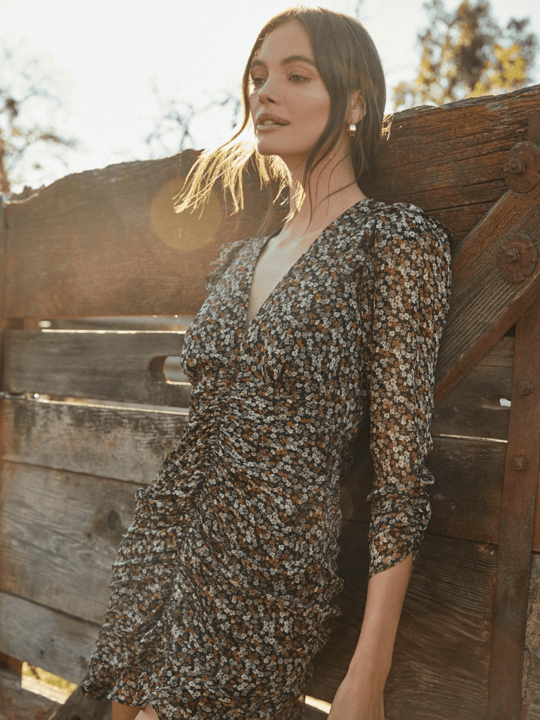 The Best Fashionable Dresses For Fall When You Live In A Warm Climate